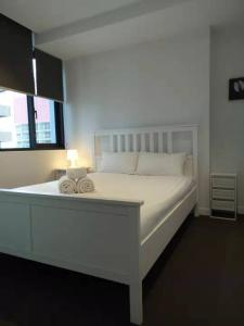 A bed or beds in a room at AH accommodation@ spencer