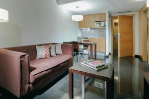 A seating area at Hesperia Barcelona Fira Suites