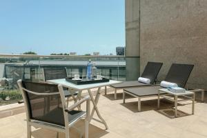 A balcony or terrace at Hesperia Barcelona Fira Suites