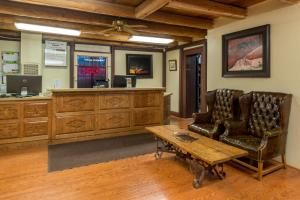 The lobby or reception area at Thunderbird Lodge