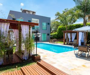 The swimming pool at or close to Escarpas Eco Village