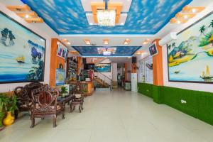 The lobby or reception area at Nhat Anh Hotel