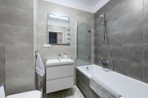Koupelna v ubytování Apartament Praski Sen
