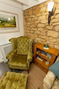A seating area at Moreton Cottage