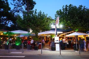Restaurant ou autre lieu de restauration dans l'établissement Etche Ona
