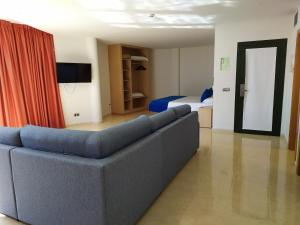 A seating area at Hotel Pocillos Playa