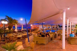 Een restaurant of ander eetgelegenheid bij Hotel Osiris Ibiza