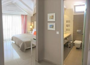 Ένα μπάνιο στο Haris Apartments