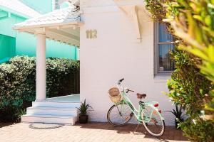 Biking at or in the surroundings of Jet Flamingo