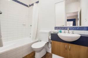 A bathroom at Karratha Central Apartments