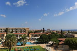 A view of the pool at Jacaranda Hotel Apartments or nearby