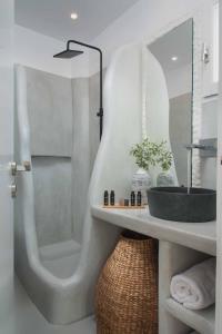 Salle de bains dans l'établissement Perla Rooms