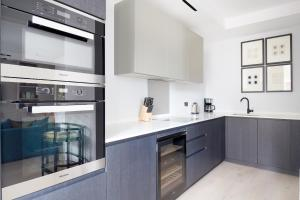 A kitchen or kitchenette at Sonder at The Arts Council, Westminster