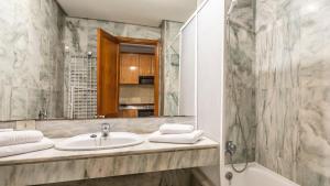 Ванна кімната в Be Smart Florida Plaza