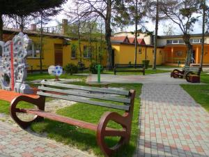 Ogród w obiekcie Ośrodek Wczasowo - Kolonijny Słoneczko