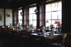 Ein Restaurant oder anderes Speiselokal in der Unterkunft Landhaus Nütschau