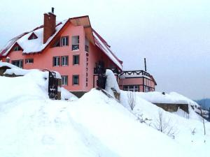 Hotel Fortetsya during the winter