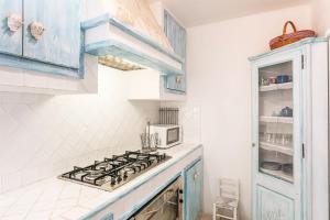 A kitchen or kitchenette at Casa di Mauro