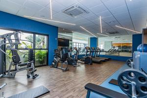 The fitness centre and/or fitness facilities at Mercure Itajaí Navegantes