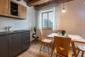Küche/Küchenzeile in der Unterkunft Oberprünst Hof - App. St. Luis