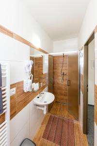 A bathroom at Pension Franko