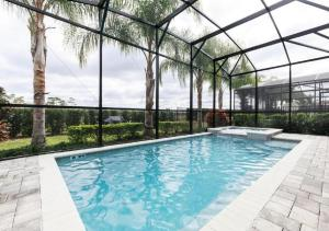 The swimming pool at or close to Disney,Encore Official Water Park&Golf Holiday Vacation Villa