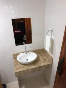 A bathroom at POUSADA DAS PIPAS