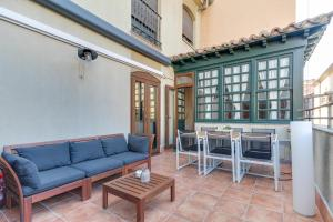 A seating area at Central Quality Apartment Salamanca