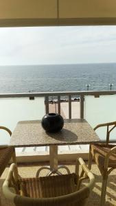 A balcony or terrace at Hotel Limenari