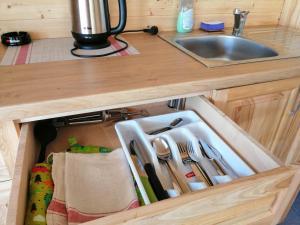 Köök või kööginurk majutusasutuses Kauksi Puhkemaja