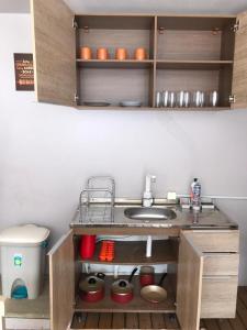 A kitchen or kitchenette at Casa em Canto Grande/
