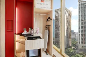 A kitchen or kitchenette at ibis Kuala Lumpur City Centre