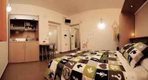 Ein Restaurant oder anderes Speiselokal in der Unterkunft Bedrooms B&B