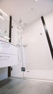 A bathroom at Landgasthof Scherer