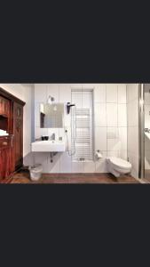 A bathroom at Da Matteo