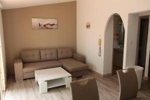 A seating area at Résidence Domaine De Caranella