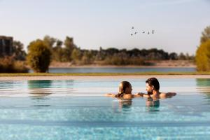 The swimming pool at or close to St. Martins Therme & Lodge