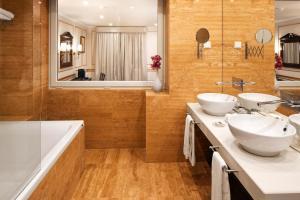 Un baño de Senhora da Guia Cascais Boutique Hotel