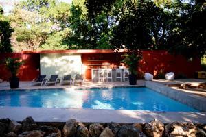 A piscina localizada em Bohemi Villa's ou nos arredores
