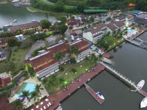 A bird's-eye view of Flat Angra Paradise