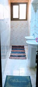 A bathroom at Pyramids Loft Guesthouse