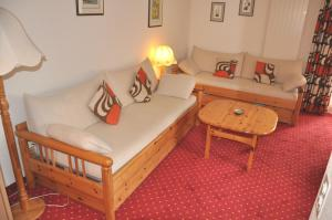 A seating area at Chalet Miravalle