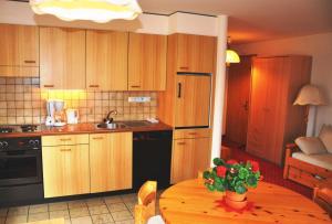 A kitchen or kitchenette at Chalet Miravalle