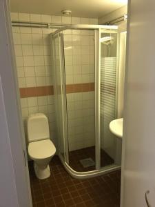 A bathroom at Nattvikens Vandrarhem