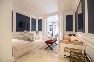 A seating area at Hotel Baglio Basile