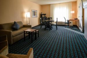 The fitness center and/or fitness facilities at Fairfield Inn & Suites Kennett Square