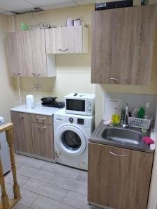 A kitchen or kitchenette at Каменка