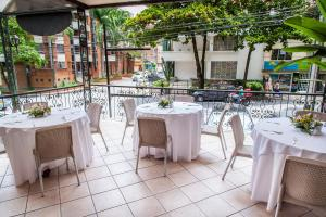 A restaurant or other place to eat at Hotel Casa Laureles