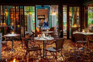 Reštaurácia alebo iné gastronomické zariadenie v ubytovaní Balthazar Design Hotel