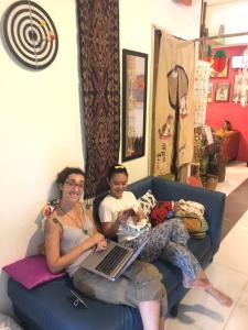A family staying at Woodpecker Lodge, Kuching